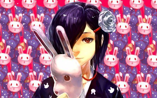 Обои Тока Киришима / Touka Kirishima из аниме Токийский монстр / Tokyo Ghoul с маской в руке, на фоне масок кроликов