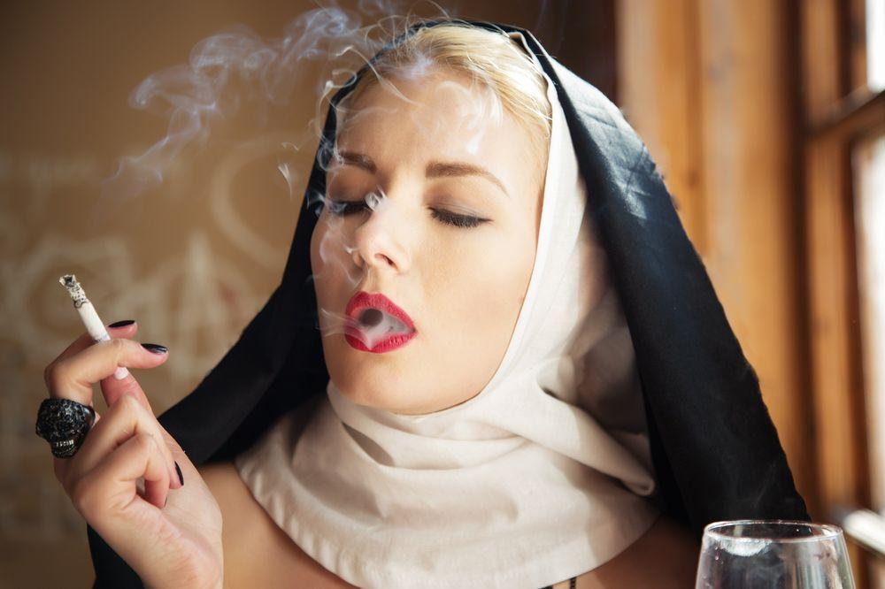 моледенкие монашки страстно трахаются