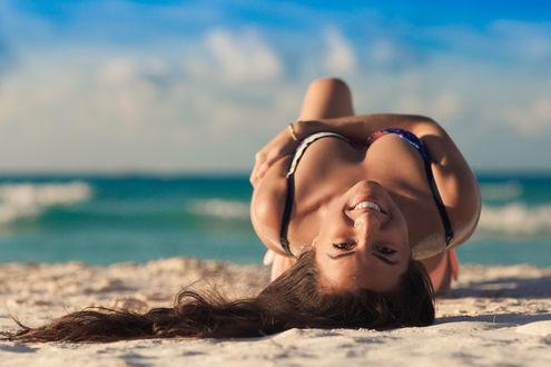 Обои Модель Inna Pak / Инна Пак на пляже