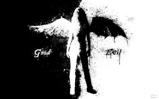 Обои Черно-белая девушка ангел стоит на черно-белом фоне