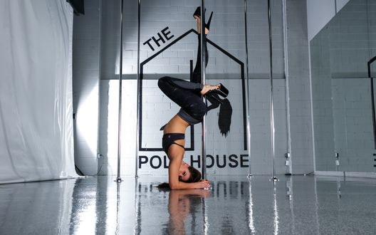 ���� ������� ������� ������� ���� ���� ������� � ������, Pole Dance / ��� ����, The Pole House