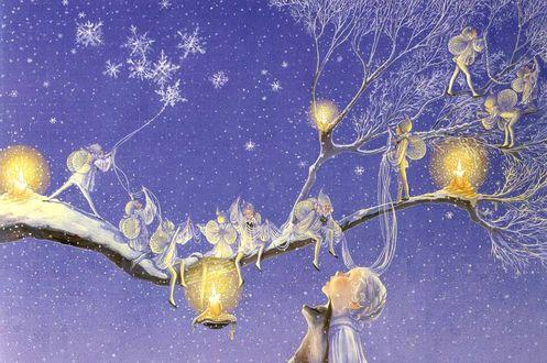 Обои Девочка изумленно смотрит на эльфов, сидящих на ветке дерева с горящими на нем свечами, художник Arlene Graston