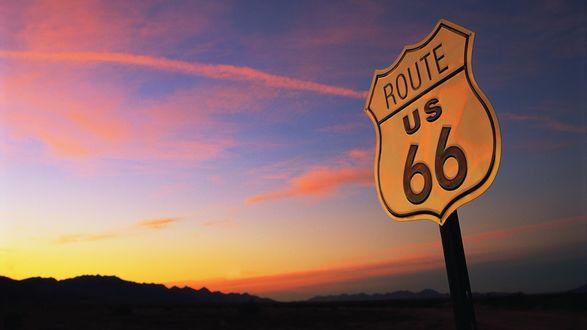 Обои Знак шоссе 66 (route 66) на фоне вечернего неба