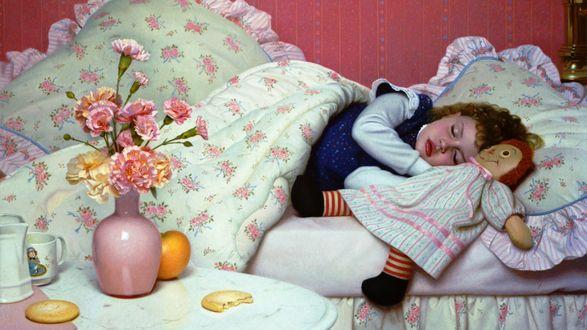 Обои Маленькая девочка спит в уютной кроватке, рядом любимая игрушка, возле кроватки на тумбочке букет гвоздик в вазе и угощения, by Stephen Gjertson