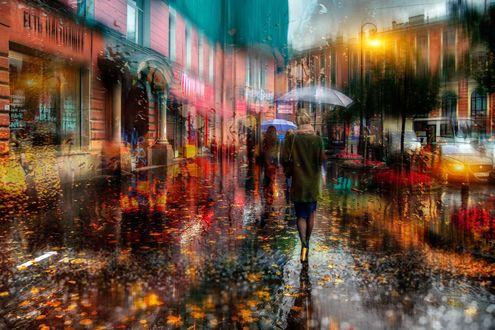 Обои Люди с зонтами под проливным дождем на улице города, фотограф Гордеев Эдуард