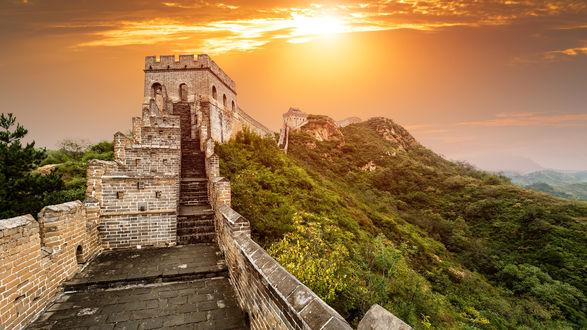 Обои Великая китайская стена на восходе солнца