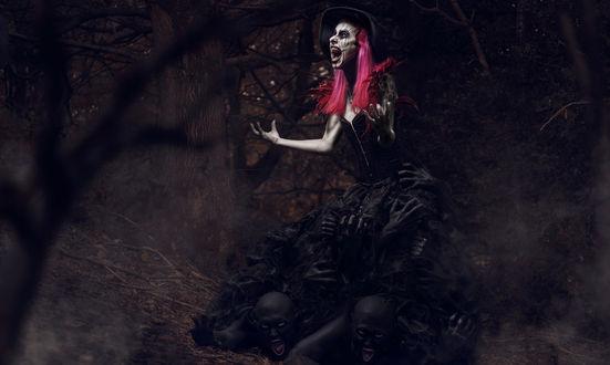 Обои Кричащая ведьма в лесу, by Clinton Lofthouse