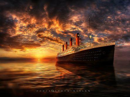 Обои Титаник на фоне заката, фотограф Manuel Roger