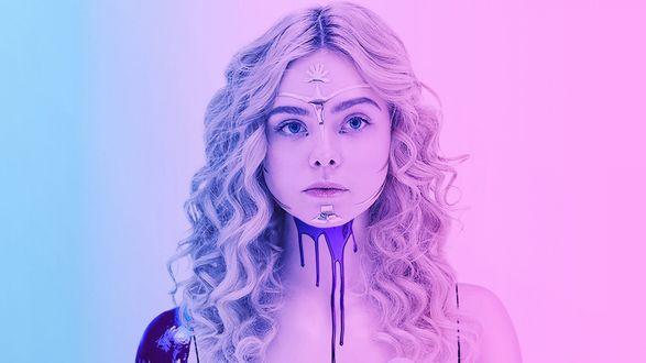 Обои Девушка Джесси (Эль Фэннинг) из психологического хоррора Неоновый демон / The Neon Demon