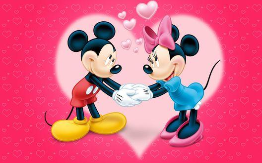 Обои Микки Маус / Mickey Mouse со своей подружкой Минни / Minnie стоят, взявшись за руки на фоне розового сердечка