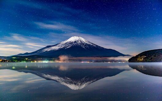 Обои Япония, ночной вид на вулкан Фуджи / Fuji