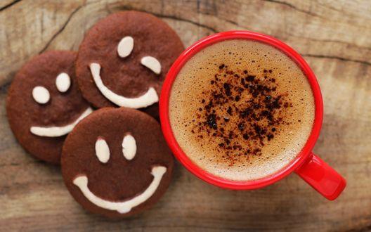 Обои Кружка горячего кофе и печенье