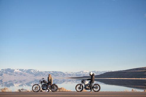 Обои Парень и девушка на мотоциклах, на дороге