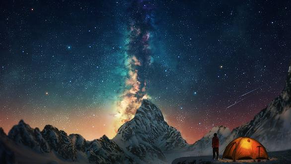 Обои Парень стоит рядом с палаткой и смотрит на ночное небо