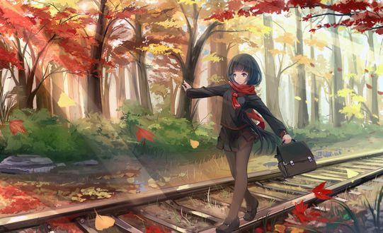 Обои Девушка школьница идет с портфелем в руке балансируя по железнодорожному рельсу