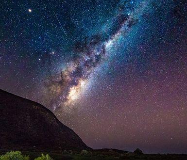 Обои Млечный путь, Южное побережье в New Zealand / Новой Зеландии, фотограф Michael Jordanoff