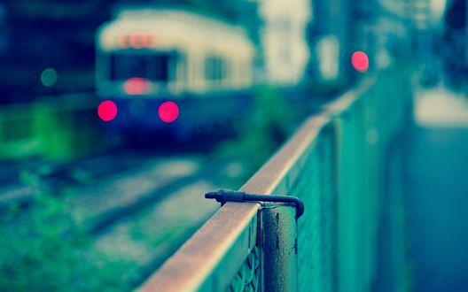 Обои Идущий поезд, Токио, Япония