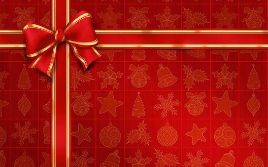 Обои Новогодний подарок в красной упаковке, украшенный красным бантиком