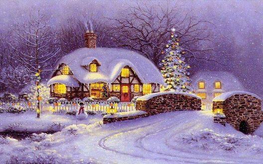 Обои Заснеженный дом в Рождество вечером. Елка с огоньками