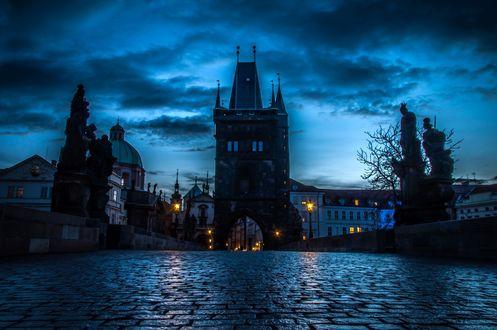 Обои Praha / Прага - столица Чехии, вид на мост и дома