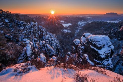 Обои Работа Winter sunrise / зимний рассвет, фотограф Pawel Uchorczak