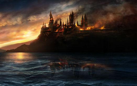 Обои Горящий замок Хогвардс из Гарри Поттера