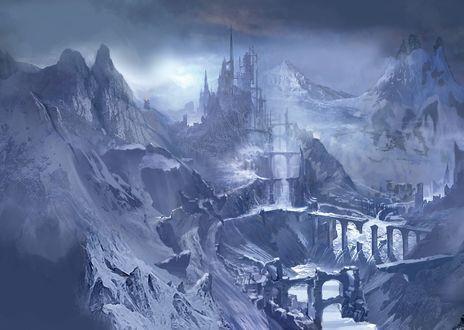 Обои Фэнтезийный замок и развалины мостов среди заснеженных гор