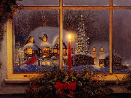 Обои В окно виден дом в снегу и новогодняя елка. На окне рождественская свеча