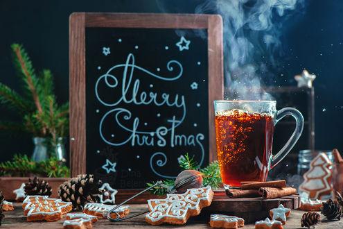Обои Чашка горячего чая, имбирное печенье, в виде елочек, палочки корицы, by dinabelenko (Merry Christmas)