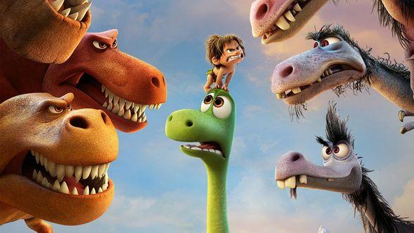 Обои Дружок сидит на голове Арло, его окружают свирепые динозавры, мультфильм Хороший динозавр / The Good Dinosaur