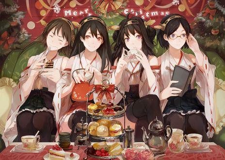 Обои Четыре девушки в кимоно отмечают Рождество за столом под елкой из игры Kantai Collection / Флотская Коллекция, Merry Christmas