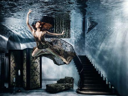 Обои Красивая девушка шатенка под водой, by Henrik Sorensen