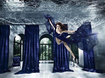 Обои Красивая девушка в синем прозрачном платье под водой, by Henrik Sorensen