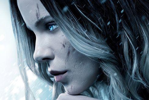 Обои Селена, роль которой исполняет Кейт Бекинсейл, из фильма Другой мир: Войны крови / Underworld: Blood Wars