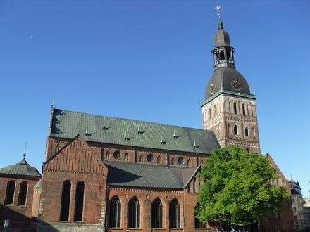 Обои Кафедральный Домский собор с золотым петушком на крыше, Riga / Рига, Latvia / Латвия
