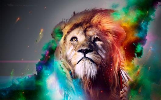 Обои Плачущий лев, окутанный разноцветной сияющей дымкой, сквозь которую летят огненные стрелы, смотрит вверх / Lion CGI Artwork by Adam Spizak