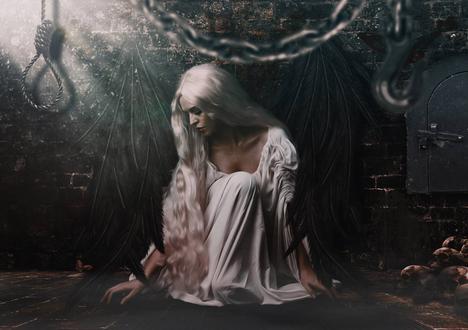 Обои Девушка с белыми волосами на фоне кирпичной стены, на которой висят крылья ангела, рядом груда черепов, видеоигра The Darkness