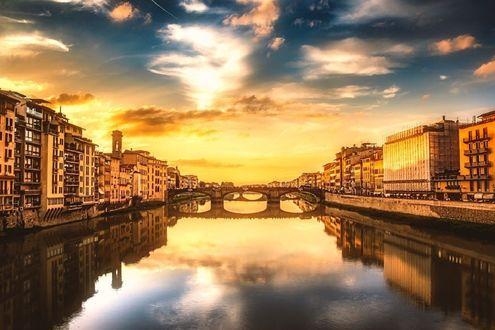 Обои Florence / Флоренция, Italy / Италия, дома вдоль канала под облачным небом