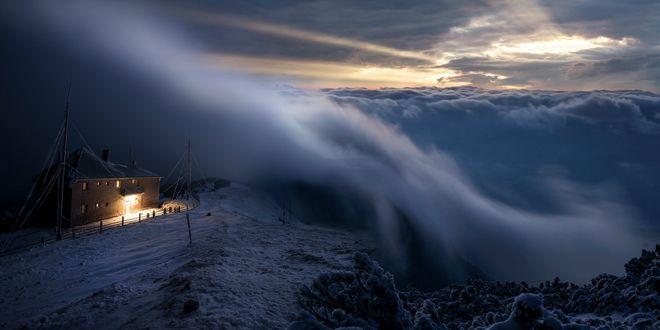 Обои Работа Призрачная завеса между людьми и богами, дом под густым облаком, by borda