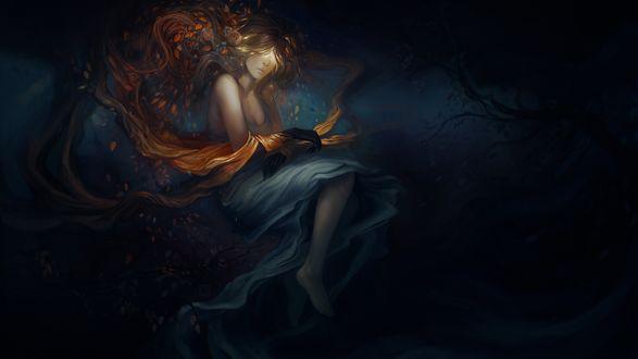 Обои Девушка с вплетенными в длинные волосы листьями и обугленными кистями рук в темноте, среди деревьев, символизирующая уходящее лето, by exellero