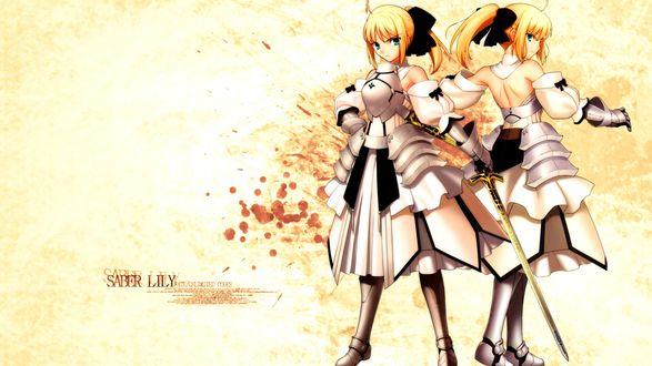 Обои Сэйбер Лили / Сейбер Лилия / Saber Lily, персонаж компьютерных игр Fate / unlimited codes и Fate / Grand Order стоит в грозных позах на желтом фоне, испачканном кровью