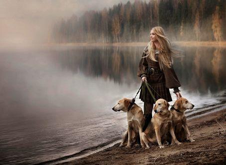 Обои Девушка с тремя собаками на фоне водоема в легкой дымке и осеннего леса, by Elena Shumilova