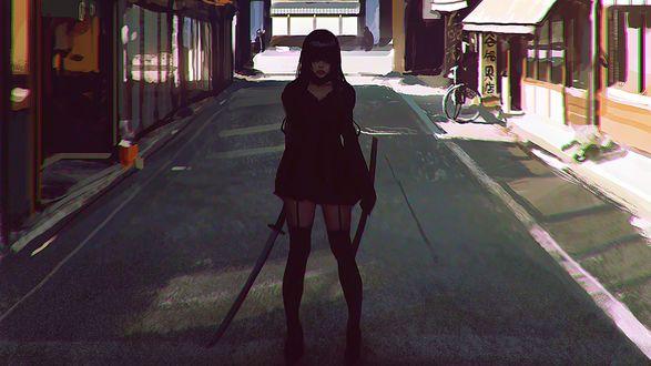 Обои Девушка с катаной стоит по середине безлюдной улицы в японском городе