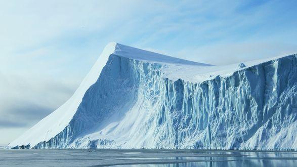 Обои Гигантский айсберг, отколовшийся от шельфового ледника Росса в Антарктиде