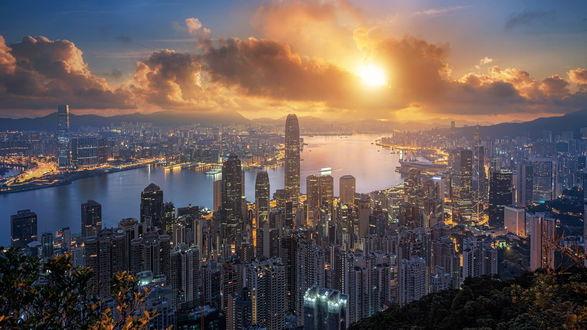 Обои Красивый вид на залив и город Гон-Конг