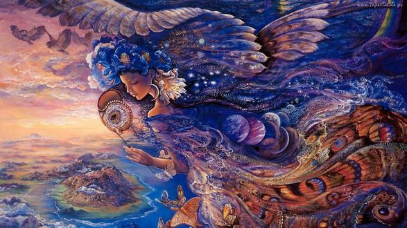 Обои Девушка с цветами на голове, переходящими в перья птицы, платье с рисунком окраса сказочной птицы, рядом с головой совы, на фоне моря, неба, птиц, автор Жозефина Уолл