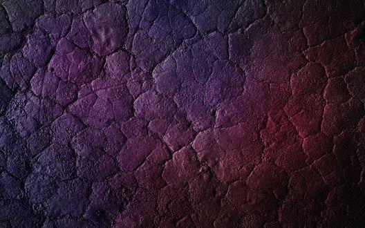Обои Багрово-фиолетовая каменная стена в трещинах