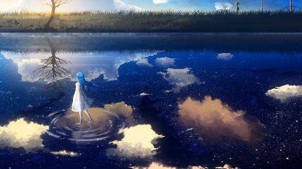 Обои для рабочего стола Девушка в белом платье стоит в воде, в которой отражается облачное небо, by Y_Y (© chucha),Добавлено: 20.02.2017 00:03:20