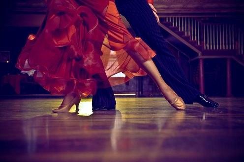 Обои Танцующие парень и девушка, фотограф Jiamin Zhu