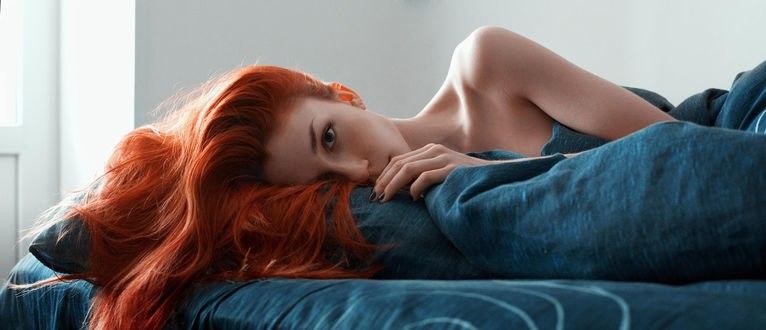 Обои Портрет рыжеволосой девушки